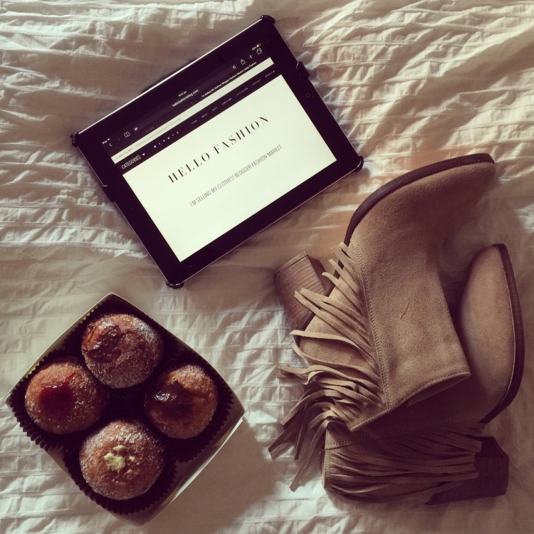 New fringed booties, Nutella Donuts and Blogs in bed = perfection